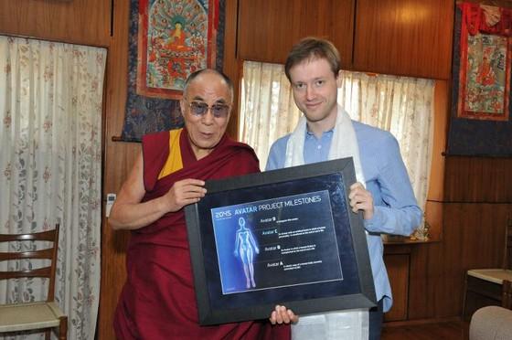 Dalay Lama, GF2045in lideri Dmitry Itskov ile birlikte